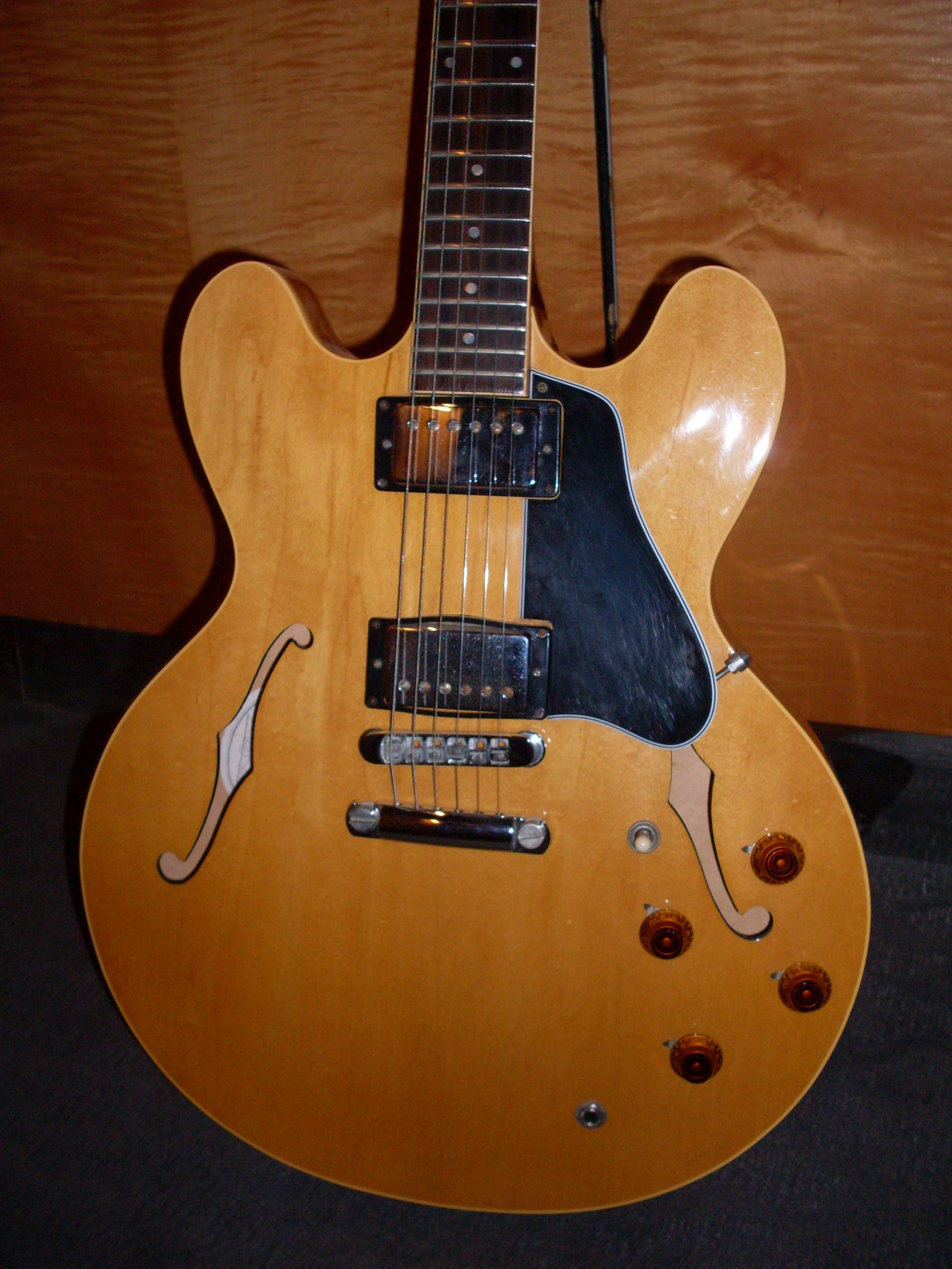 really good 335 cheap the gibson es 335. Black Bedroom Furniture Sets. Home Design Ideas