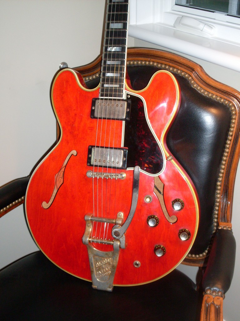 dating gibson j45 serial number How to determine the age of a gibson j-45 if your guitar has an eight-digit serial number, it contains the year, date and the factory ranking number for the.