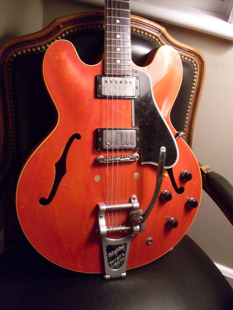 No red 335's shipped in 59 according to Gibson and yet, here's one right here. Bought this from a guy in Joisy sold it to a guy in Virginia.