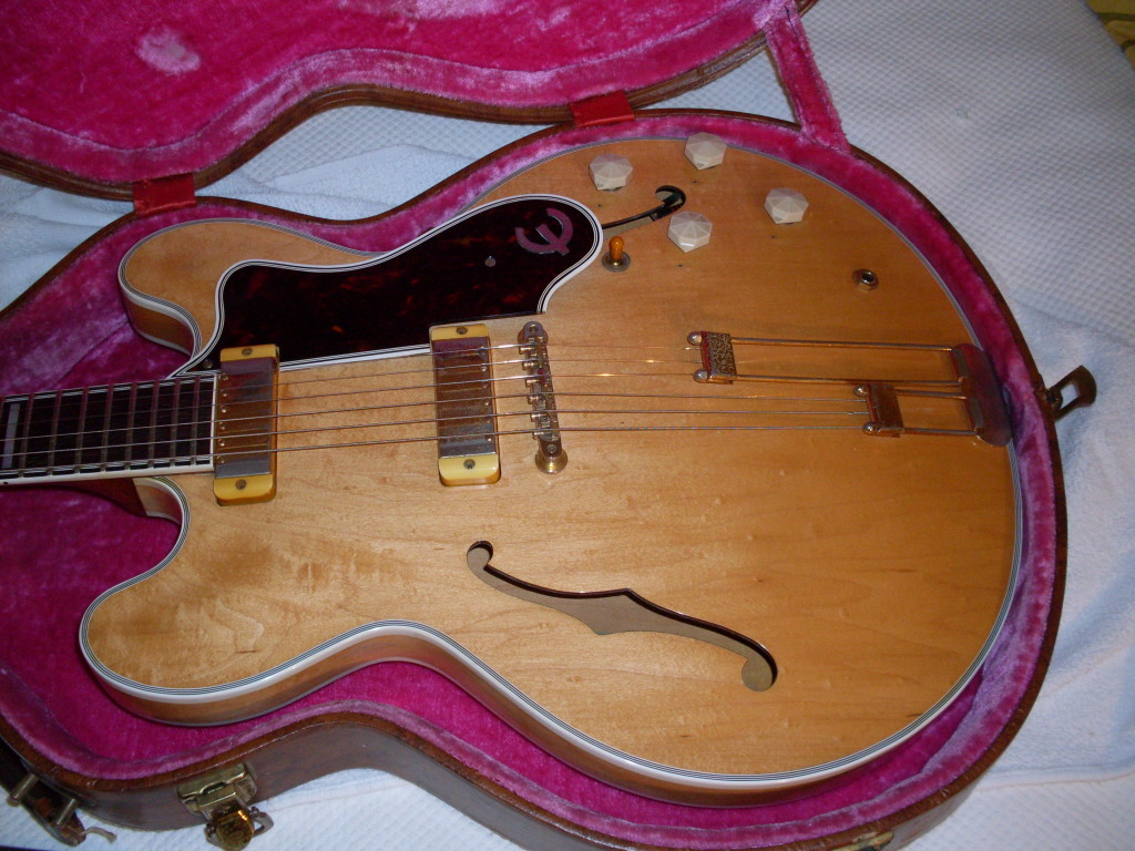 This could be the coolest guitar I own. There are exactly 3 '59 blonde Sheratons. OK, it isn't a 335 but I think even Keith would find this one pretty cool. I'm going to guess he doesn't have one.