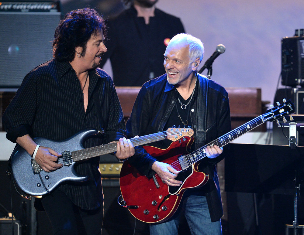 Peter Frampton on a 64 335 along with the very talented Steve Lukather.