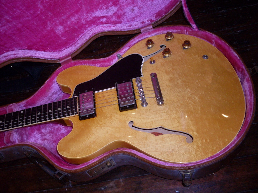 Where have all the blondes gone? To collectors who will probably be buried with them. They only made 209 of them, so it's not surprising that they have become so hard to come by. I haven't seen a no issue 59 stop tail hit the market in almost two years. There have been a few 58's, some Bigsby's and a couple of 60's. This killer 58 will be in my hands soon.