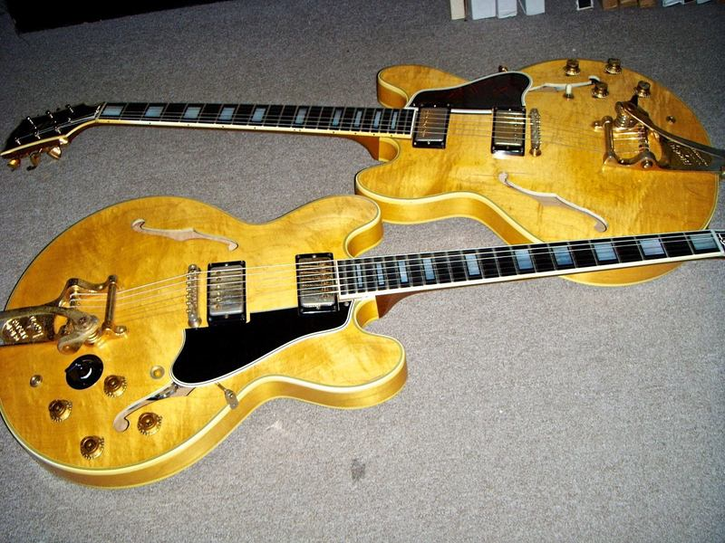 Here are the 59 and the 64 blonde 355's. Both stunning. Both stereo-not that that's a bad thing. Thanks to Hank from Hank's Vintage for the photo.