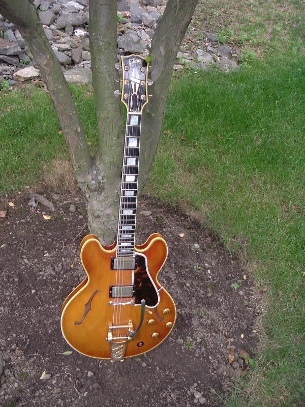 "This is the very first 58. Similar fade and, of course, the gold knobs. Thanks to LP Forum member/owner ""MacDaddy"" for the photo."